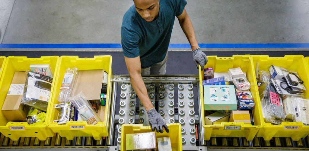 amazon-warehouse-employee-source-amznjp